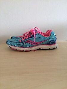 Women running shoe