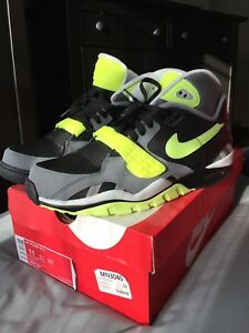 Nike air trainer size 11