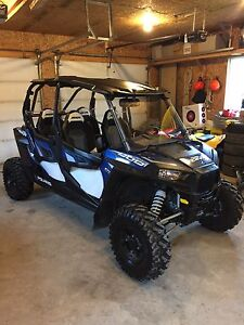 2016 RZR 4 side by side 4 seater just like new