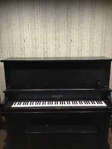 Piano - Ennis Upright