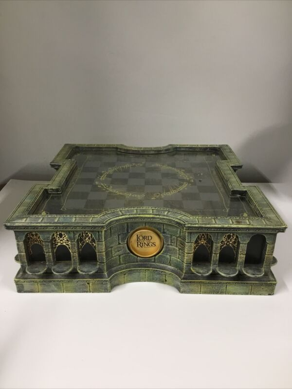 Lord Of The Rings LOTR - Chess Board - The Noble Collection - READ DESC.