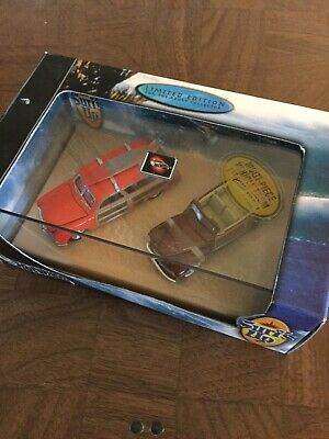 Hot Wheels 100% Collectibles SURF'S UP Limited Edition (2) Car Set