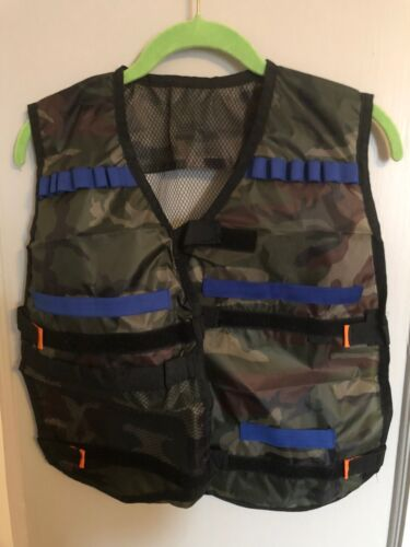 Boys Size Medium Camo Ammo Vest For Nerf Gun Ammunition