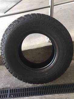 5 x NEW - Bridgestone Dueler A/T 265/75 R16 Tyres