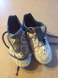 Kids adidas soccer shoes, size 4