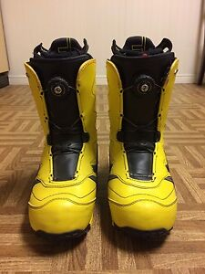 Like new atomic boots. Size 29.0