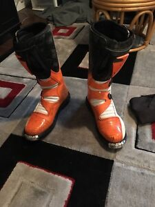 Dirt bike boots and clothes