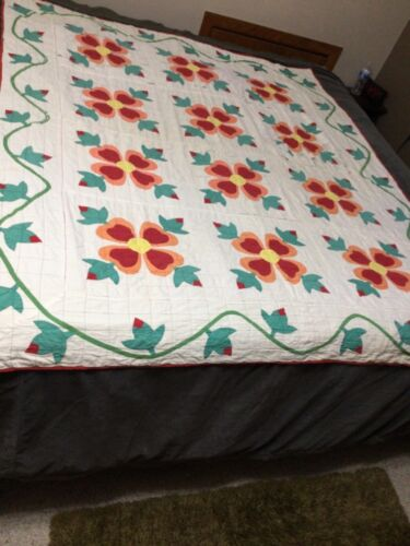 Vintage Ohio Rose of Sharon cutter Quilt 66 x 78