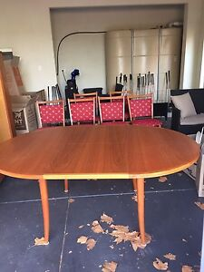 Parker Dining table and chairs Elsternwick Glen Eira Area Preview