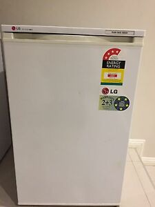 Free upright freezer Bassendean Bassendean Area Preview