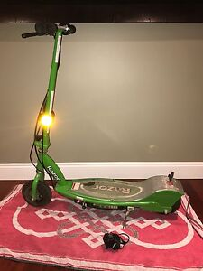 Razor e200 electric scooter with charger