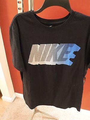 New Men's Nike Short Sleeve T-Shirt, Size Large  –   Athletic Cut