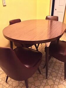 Vintage 1975 Table and Chairs