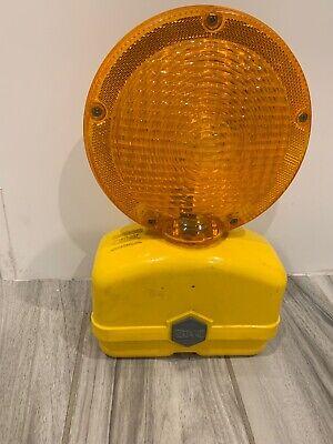 Pyra-Lite Road Construction Highway Barrier Barricade Flashing Light Dual Lens