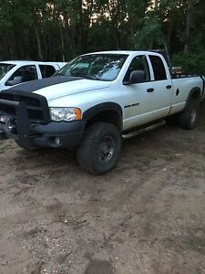 2005 Dodge Ram 2500 4x4 crew cab long box