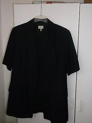 Kleid zweiteilig schwarz ,Kostüm m.Stickerei am Kragen und auf den Taschen