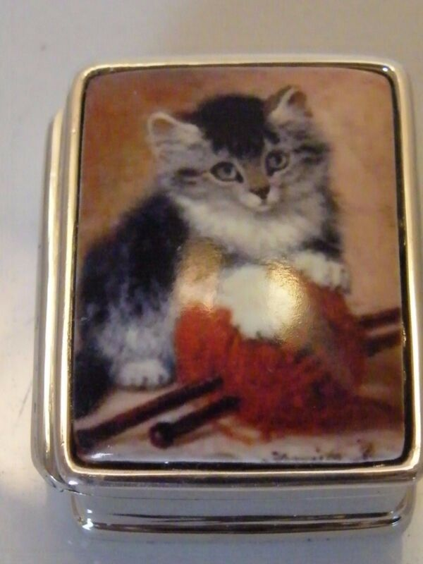 SILVER PICTORIAL ENAMEL KITTEN WITH WOOL PILL BOX