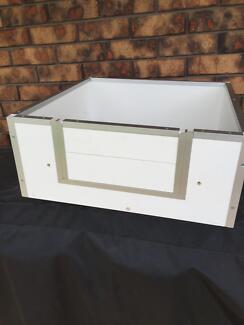 Whelping box and accessories Mentone Kingston Area Preview