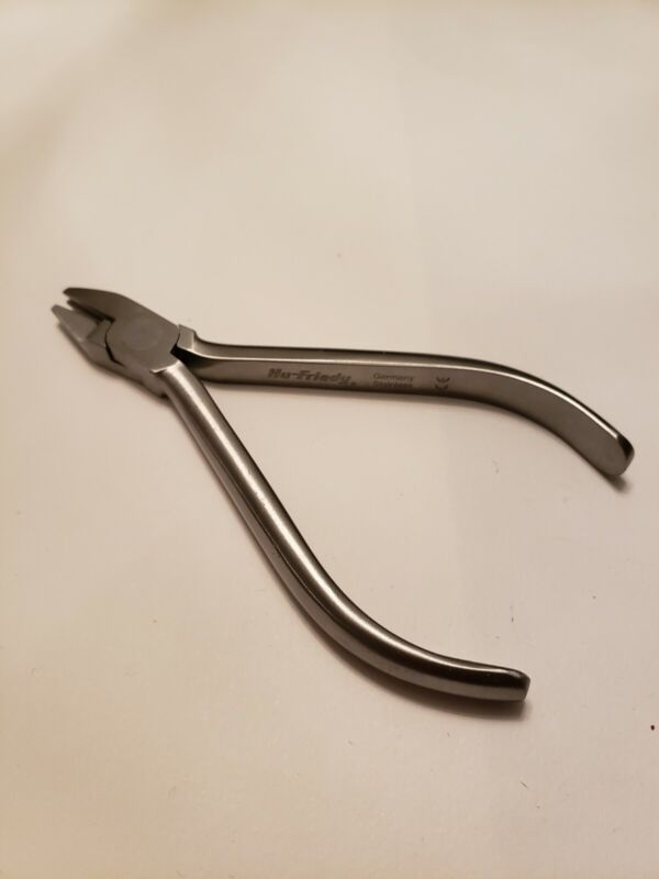 Hu-Friedy Orthodontic Three Jaw Plier 678-302 Excellent Condition