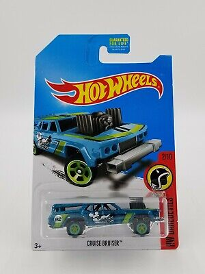 Hot Wheels 2017 Super Treasure Hunt Cruise Bruiser with Real Riders in Protector