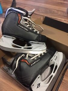 Youth Easton Skates size 12