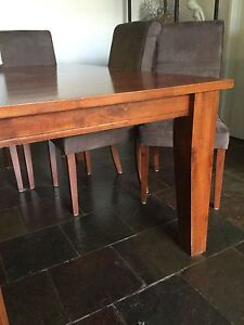 Dining table and chairs Hoppers Crossing Wyndham Area Preview