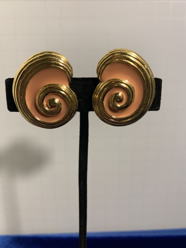 J144 Gold Tone Spiral And Salmon Pink Enamel Clip Back Earrings
