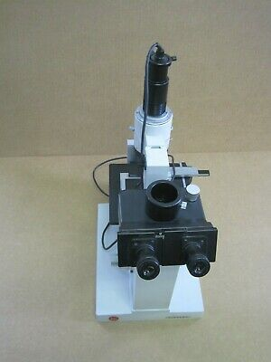 Leitz Divert Inverted Microscope W Leitz Polaroid Camera  5 Objectives