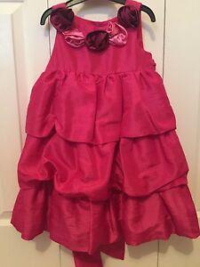 Dress: Girls Size 3T $10