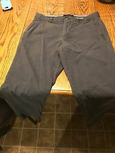 Tommy Hilfiger navy blue Chinos pants 32x32