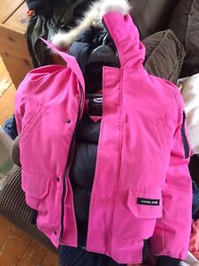 Youth Med (Women's XS) Canada Goose bomber jacket