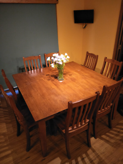 9 Piece Dining Setting