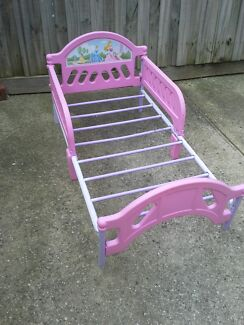 Kids beds for sale both $25 or make an offer in each bed Meadow Heights Hume Area Preview