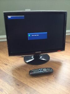 TV Samsung HD 22 inch screen, or Monitor