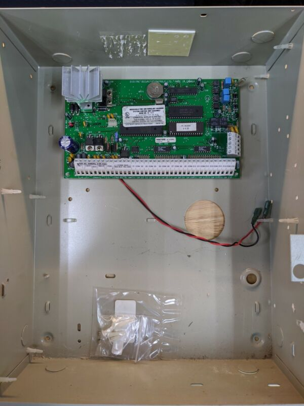 DSC Maxsys Panel And Accessories