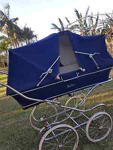SILVER CROSS TWIN BABY PRAM Wamuran Caboolture Area Preview