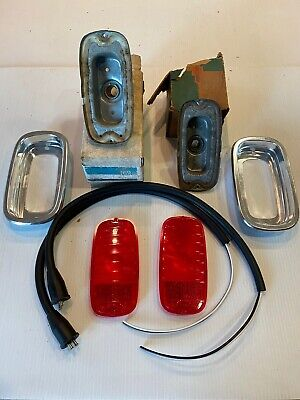 NOS 1960 1961 1962 1963 1966 Chevy GMC Fleetside Pickup Truck TailLight Complete