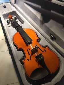 Palatino hand-crafted 3/4 Violin