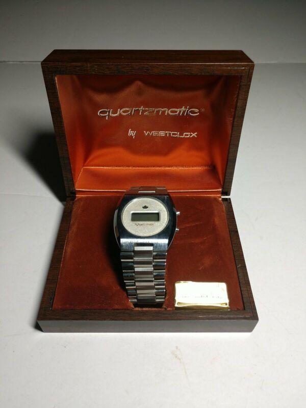 READ*Vintage Quartzmatic Westclox Mens Wrist Watch Band Digital LED Solid State