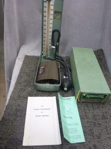 Vintage W A Baum Baumanometer Blood Pressure Meter in box