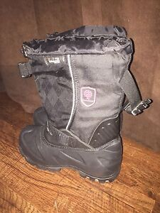 Brand new boys Thinsulate winter boots.