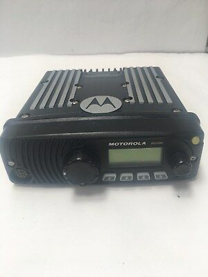 Motorola Xtl1500 Mobile Radio M28urs9pw1an 800mhz Used