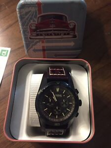 Brand new Fossil leather strapped watch brand new  $150+ retail