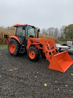 Kubota M7060 Loader Backhoe