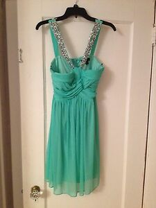 Semi dress size 9