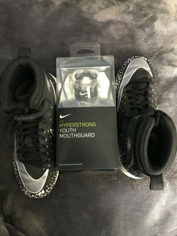 Boys Nike Fastflex Cleats Size 1Y with Nike Hyperstrong Youth Mouthguard