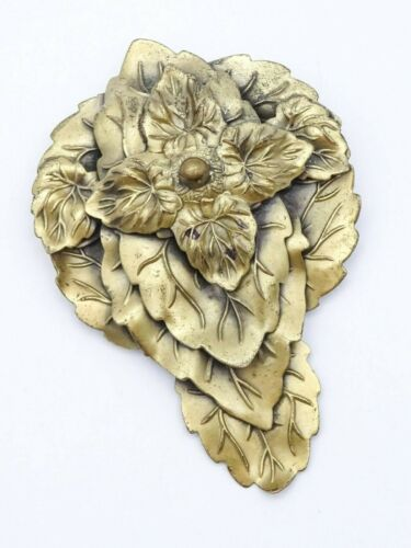 """VINTAGE Textured Leaf  GOLD TONE SCARF Clip Estate Jewelry 3"""""""