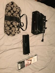 3 Purses and one compartment organizer.