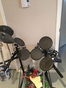 Drum électroniques Roland TD-6V.