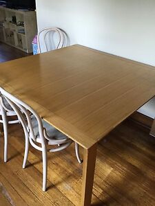 Dining table  and couch  Edithvale pickup Edithvale Kingston Area Preview